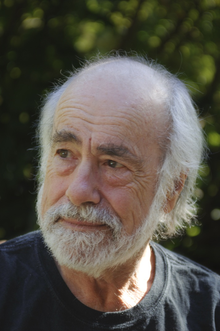 Robert Hunter Announces Performance at Town Hall This October