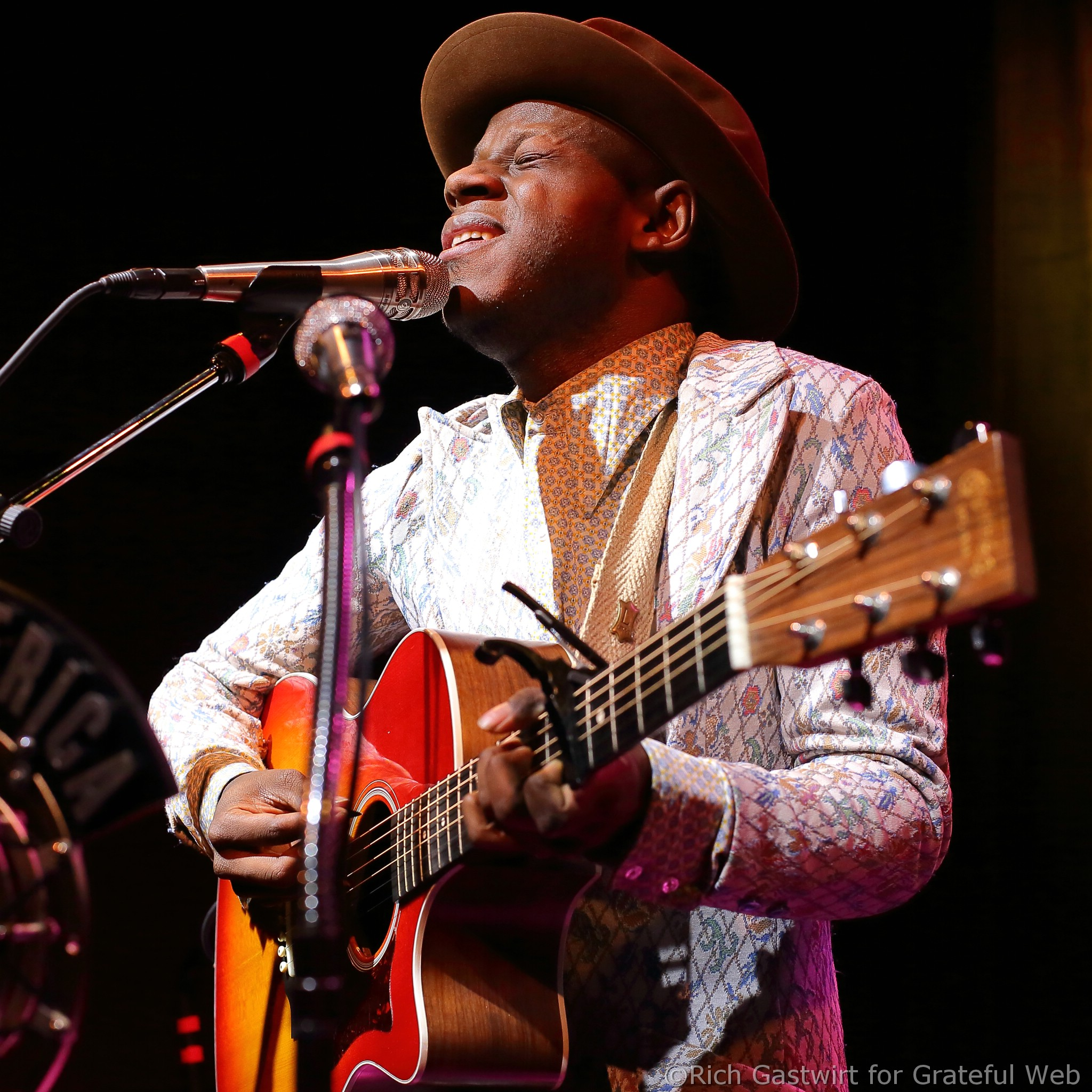 J.S. ONDARA TO JOIN NEIL YOUNG ON TOUR THIS MONTH