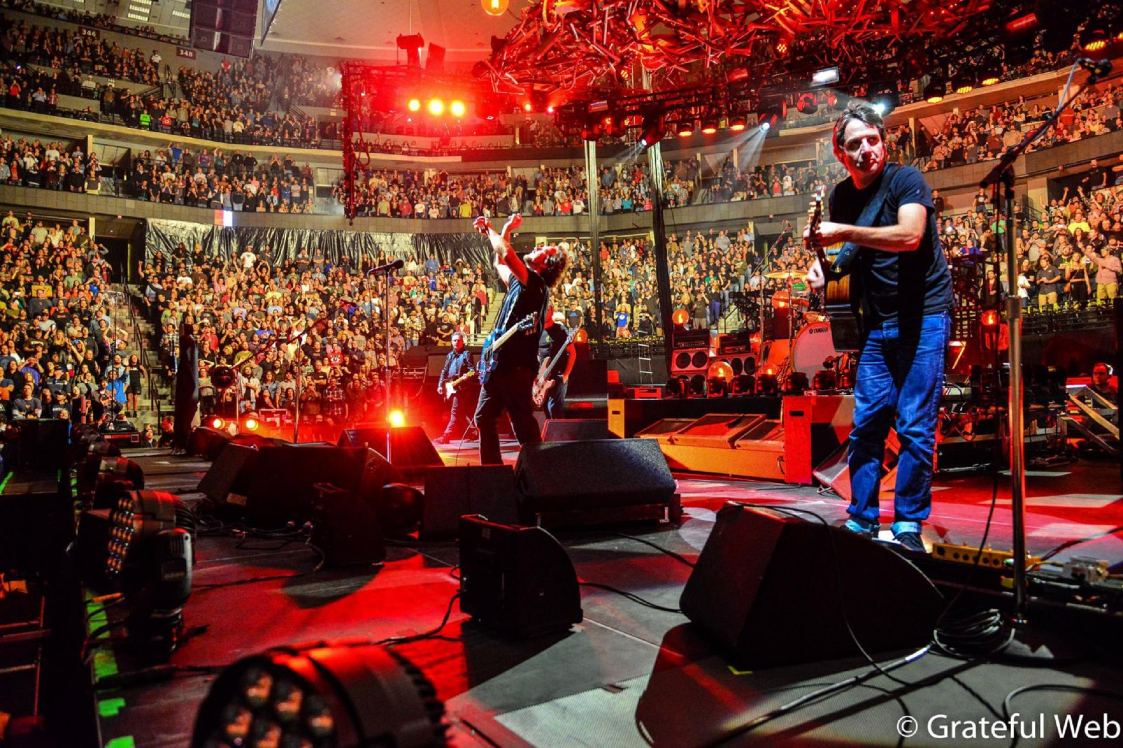 Exclusive Pearl Jam Let's Play Two Extended Screenings