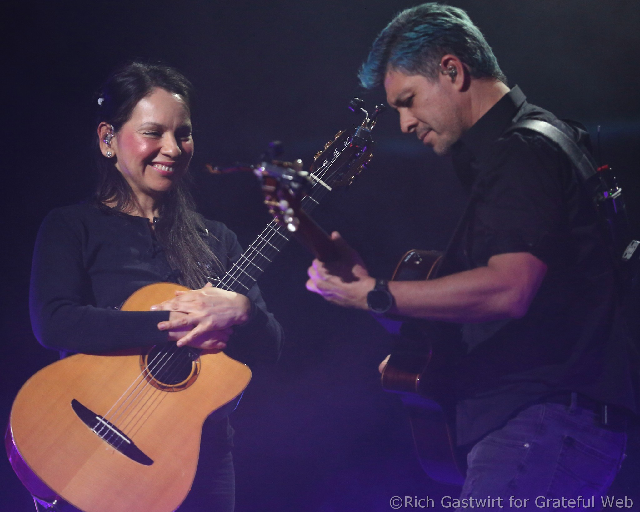 Rodrigo y Gabriela announce 2019 fall US tour dates