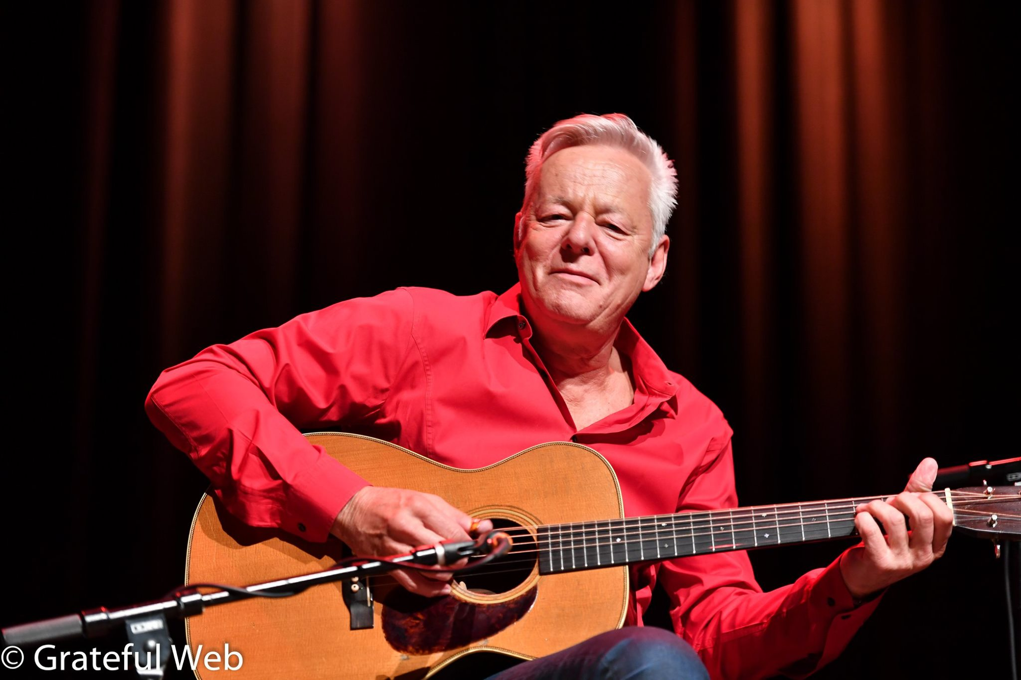TOMMY EMMANUEL To Host Two Live Stream Events With Portion Of Proceeds Benefiting Two Indie Venues: