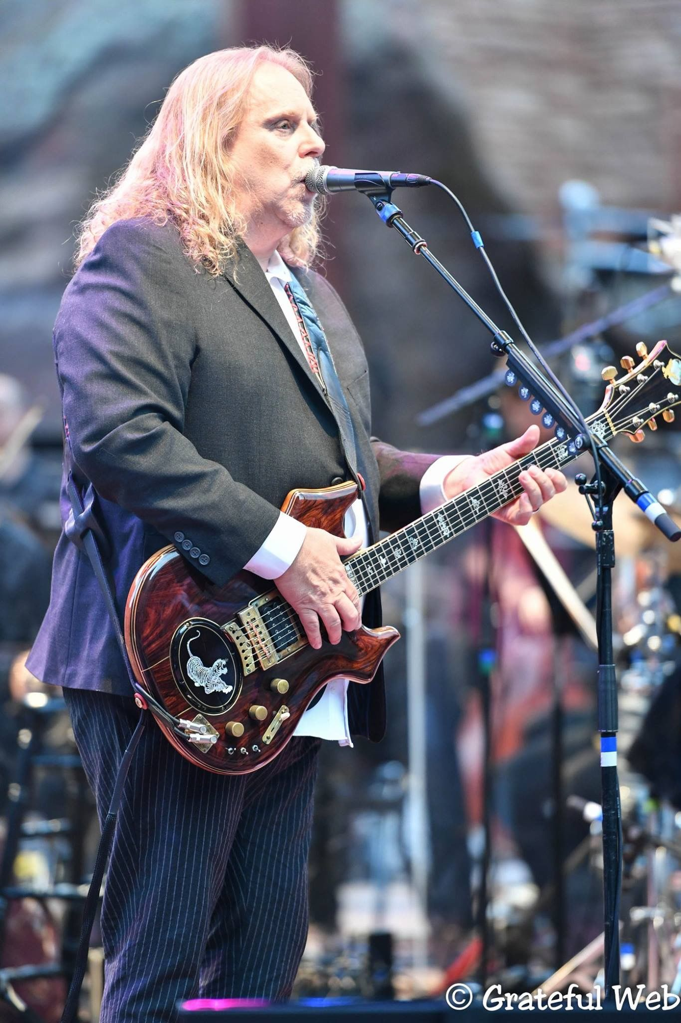"Warren Haynes Pens Op-Ed ""A Change Is Gonna Come - Oh, Yes It Will"""