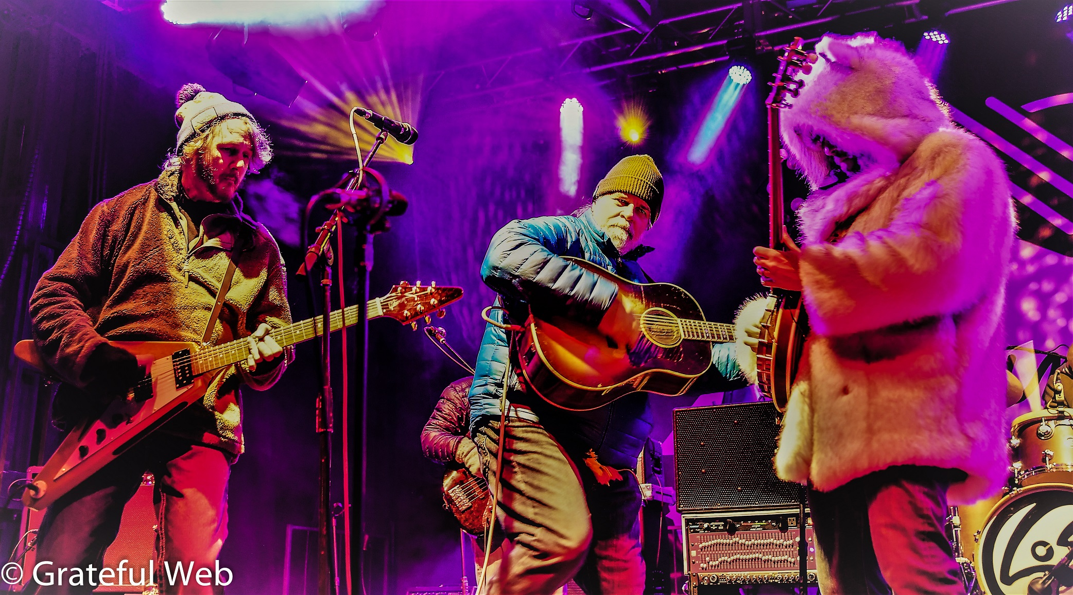 Leftover Salmon Announces Thanksgiving Leftovers: A Weekend of Giving