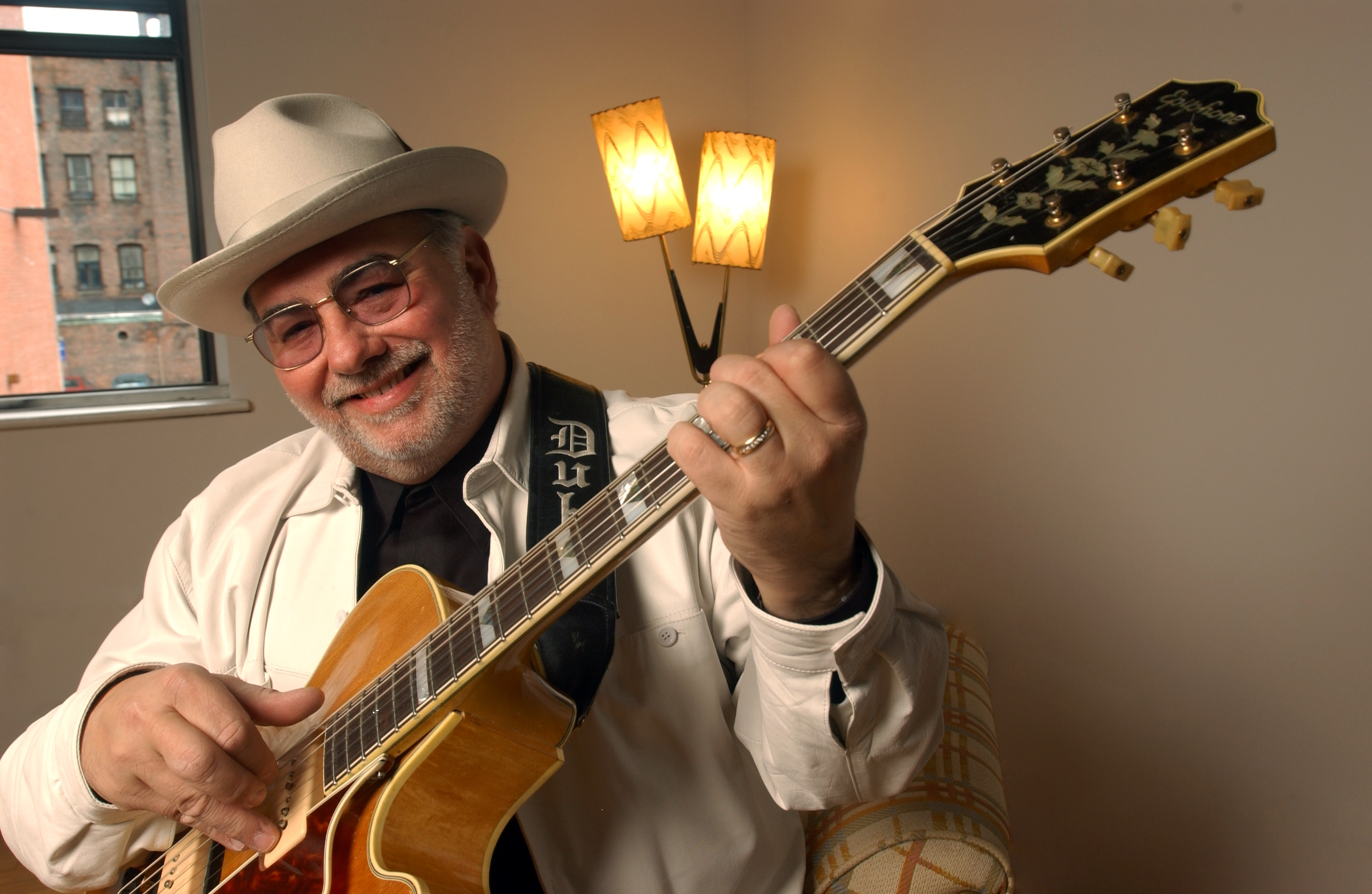 Ear Worms, the New Album from Award-Winning Guitarist Duke Robillard