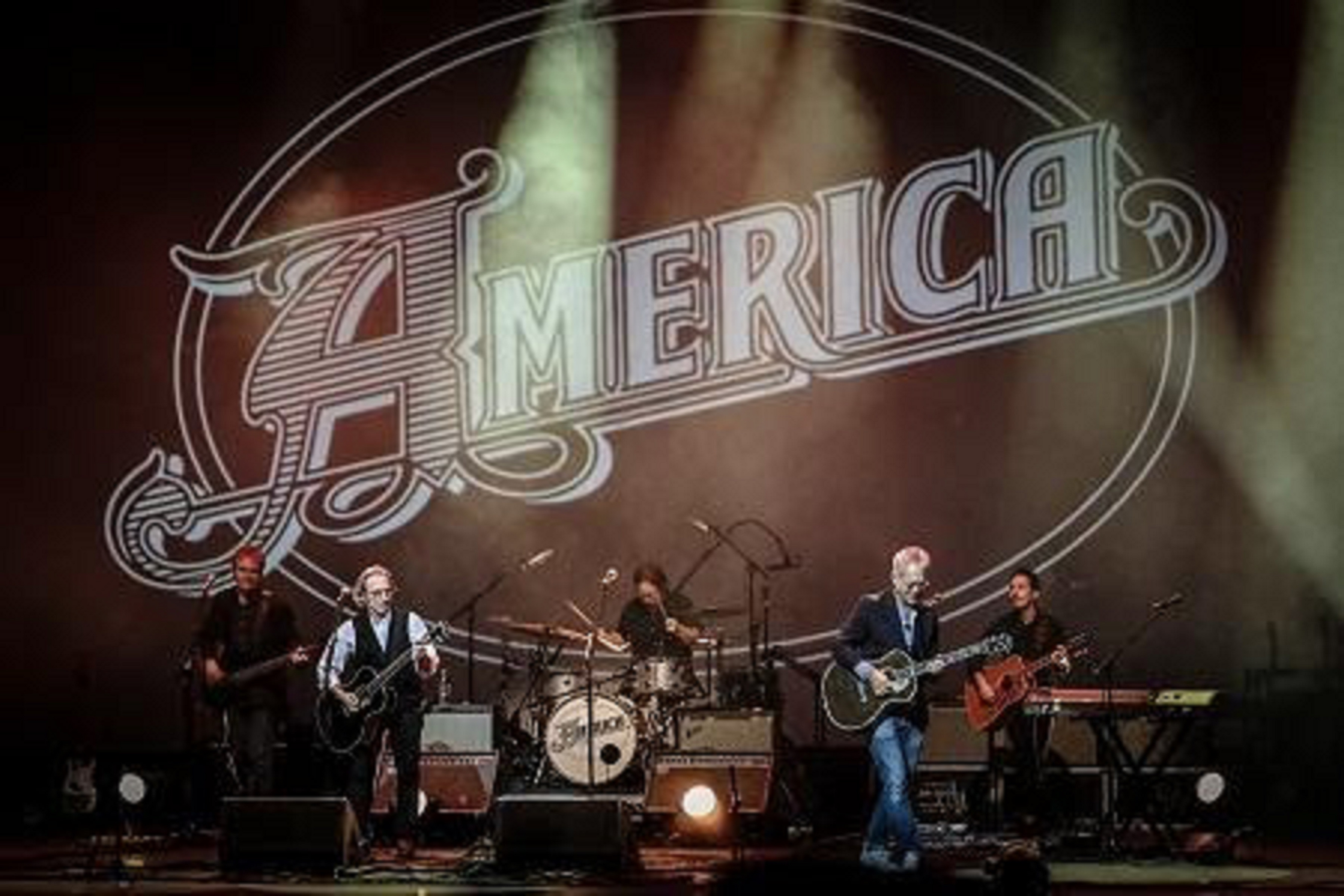 "AMERICA Announce The Streaming Of Concert Special ""America--Live At The London Palladium"""