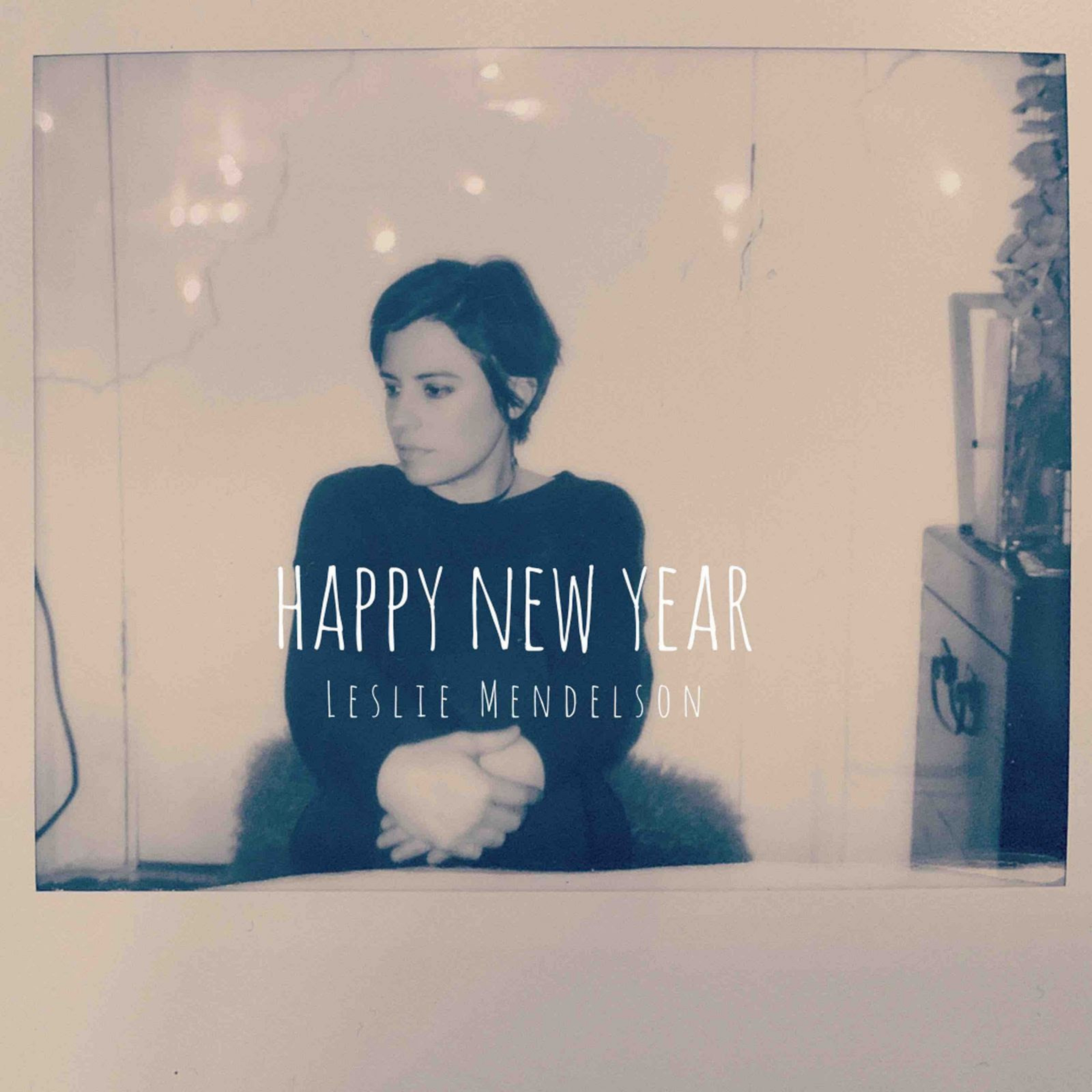 "Leslie Mendelson Shares ""Happy New Year"" Video Performance"