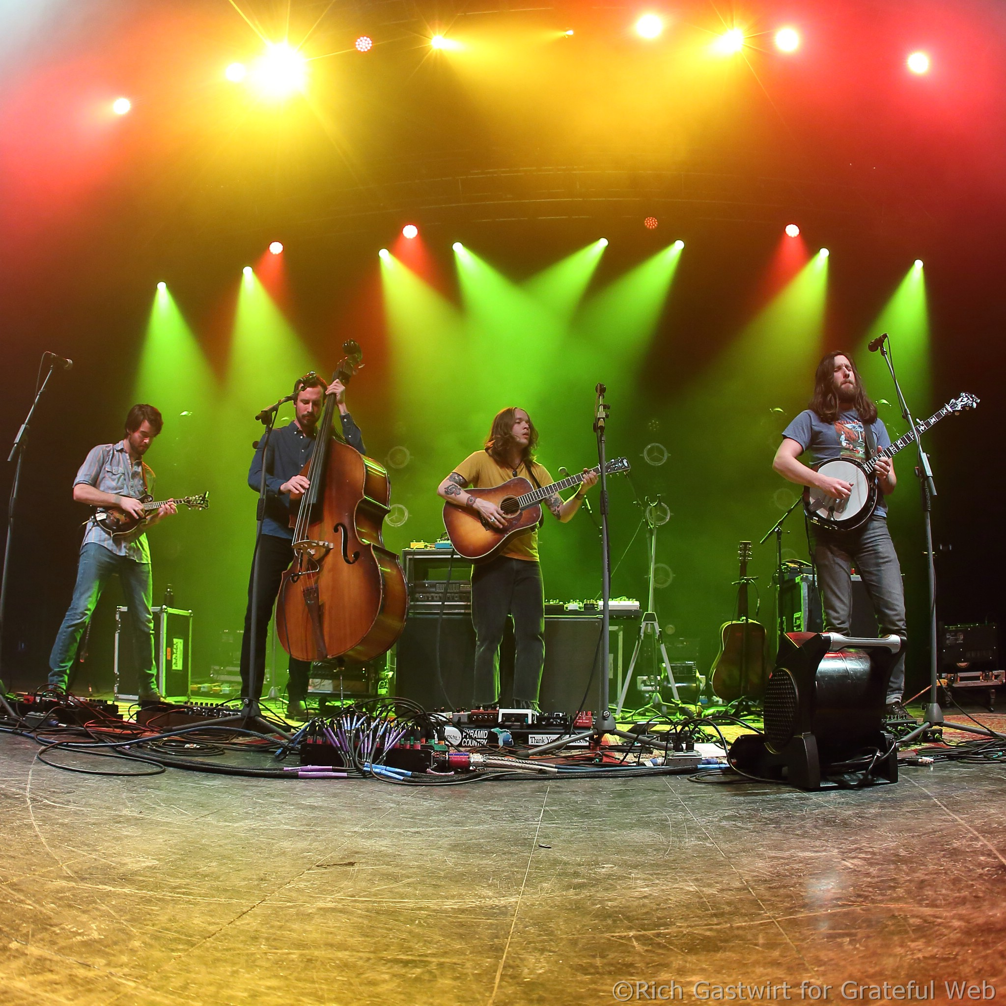Billy Strings and his band in Boston