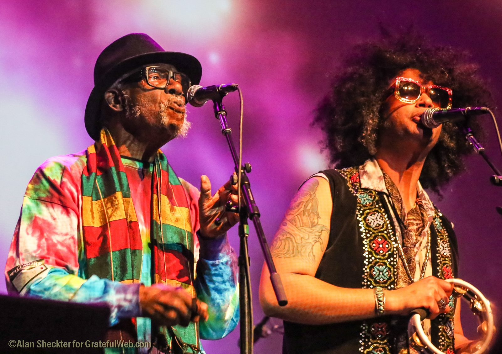 "Lester Chambers and his son, Dylan, lead ""People Get Ready"" 
