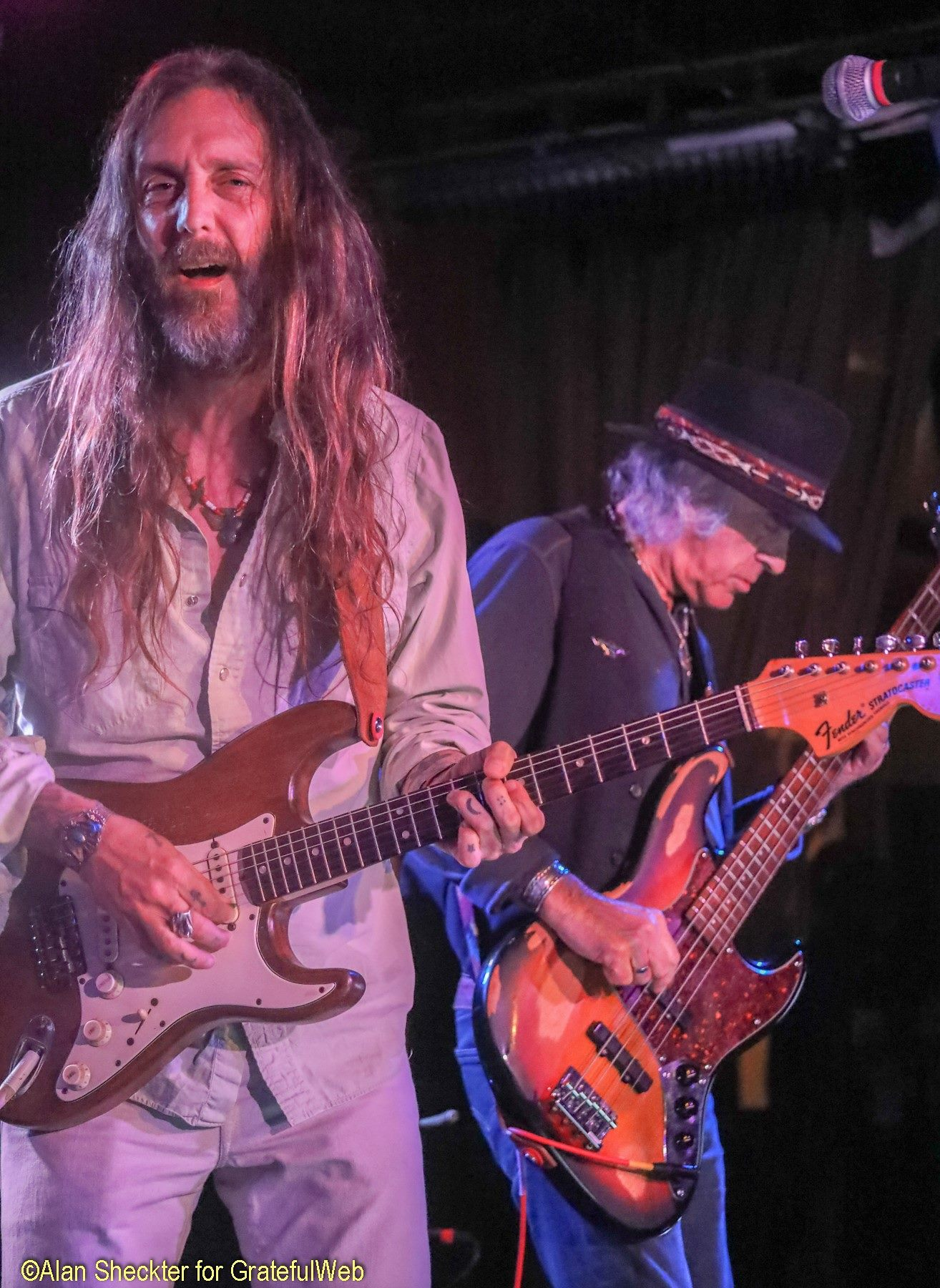 Chris Robinson and Pete Sears