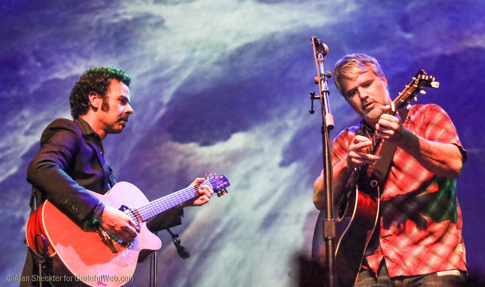 "Lebo and Bo Carper perform Jefferson Airplane's ""Embryonic Journey"" 