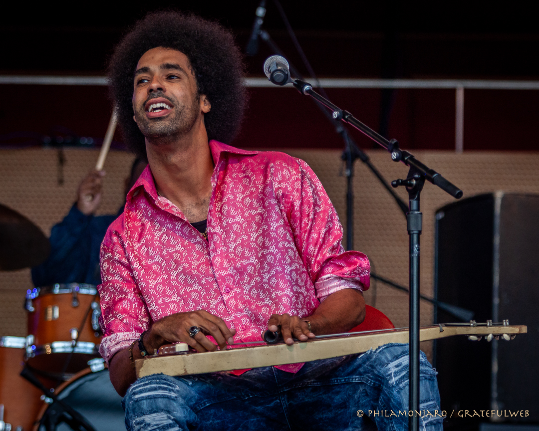 Selwyn Birchwood on lap steel guitar