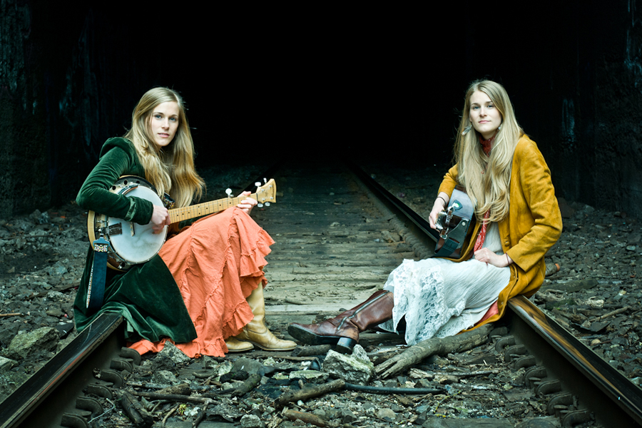 Shook Twins Announce 2013 Summer Tour