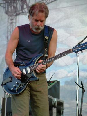 Bobby Weir collapses on stage and taken to Hospital